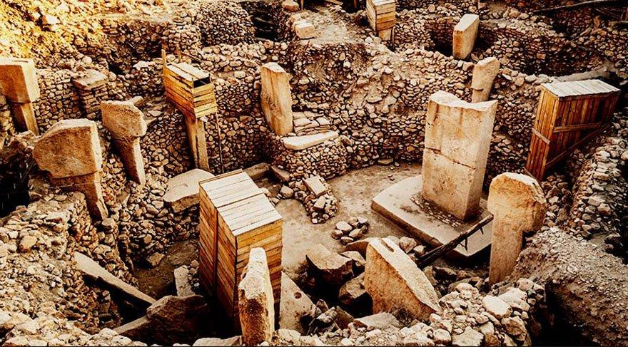 Göbekli Tepe ve Ön-Türkler kitabı yazarı ETLİ: 1071 yılı Türklerin Anadolu'ya son geliş tarihi